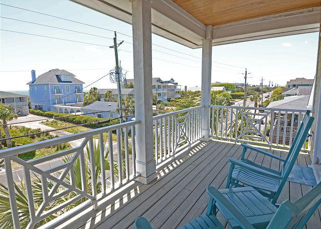 Manning -  Change your pace and relax at this comfortable ocean view townhouse - Image 1 - Wrightsville Beach - rentals