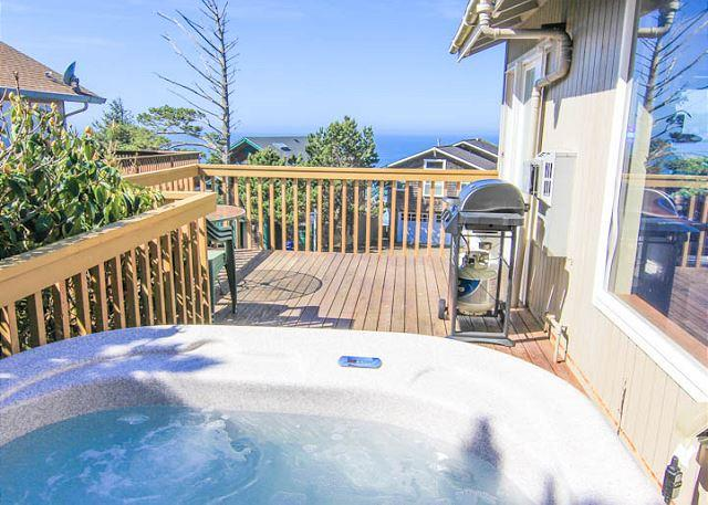 Four bedrooms, movie library, bar and hot tub for a great getaway! - Image 1 - Lincoln City - rentals