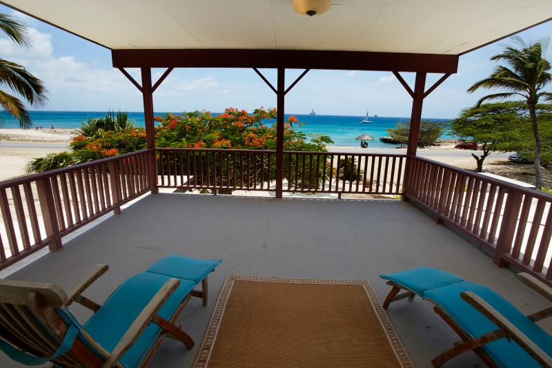 Fabulous two story ocean front villa, large pool - Image 1 - Malmok Beach - rentals