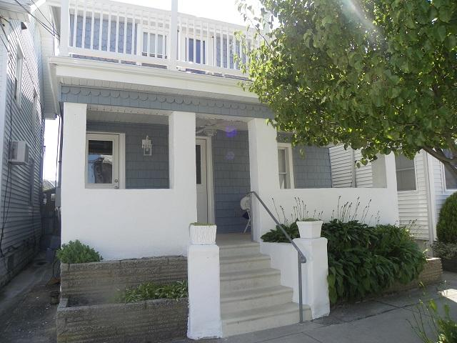 Front of House - Charming Newly Renovated 2 BR 1.5 Blocks to Beach - Wildwood - rentals