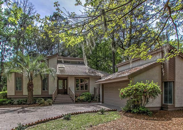 Exterior - 48 Kingston Road - Cute & Renovated 3 Bedroom Home w/ Pool - Lagoon View - Hilton Head - rentals