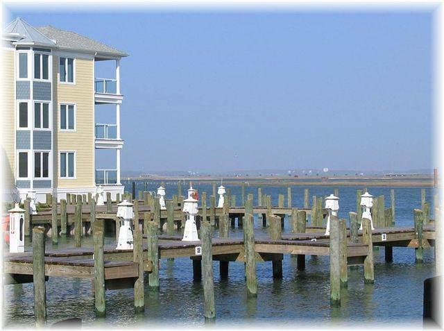 Sunset Bay Villa 215 - Image 1 - Chincoteague Island - rentals