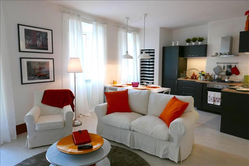 In Heart of Historic Siena, Il Cavallo Bianco, a Stylish and Modern 2 Bedroom Apartment, - Image 1 - Siena - rentals
