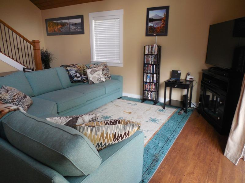 Living Room - Beach Breeze Getaway - Arch Cape - rentals