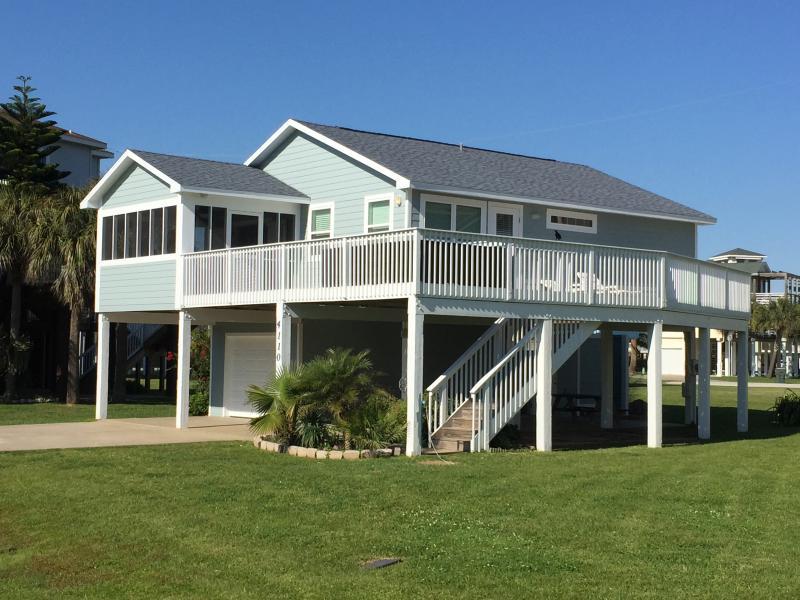 CJ's Hideaway, Ocean view! One block from beach! - Image 1 - Galveston - rentals