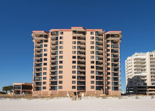 Large 3 bedroom 3 bath west corner beachfront unit - Image 1 - Orange Beach - rentals