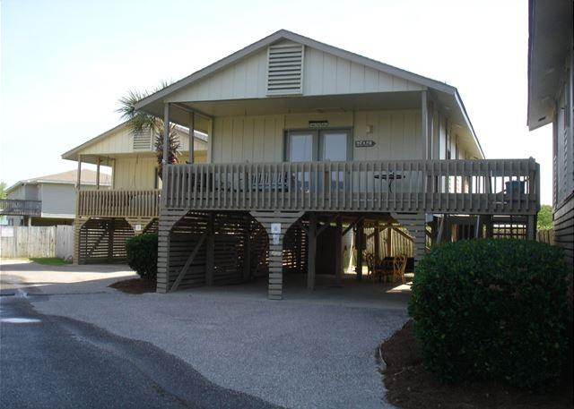 Cottage type condo across street from the beach - Cottage with lots of privacy, 2 bedrooms 1 bath - Gulf Shores - rentals