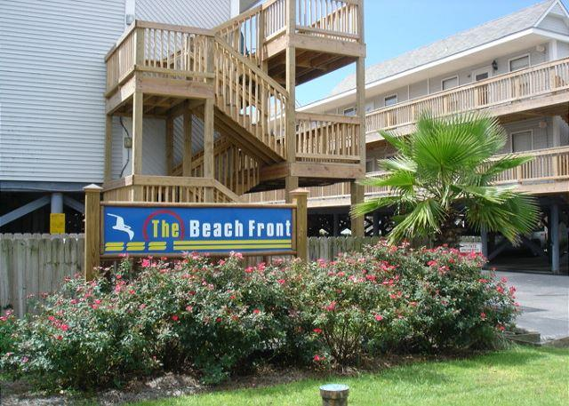 Street side of the complex - Cozy 2 bedroom 1 bath sleeps 6 beachfront - Gulf Shores - rentals