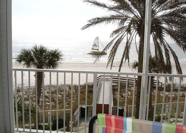 3rd floor unit looking forward the gulf - Beachfront 3 bedroom 2 bathrooms very user friendly complex - Orange Beach - rentals