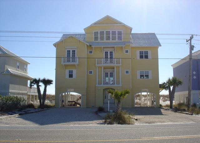 View of the house from West Beach Blvd - 5 Bedroom 5.5 bath beach front house for large family gatherings - Gulf Shores - rentals