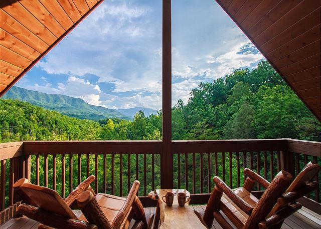Private Balcony - Luxury Lookout  Private Mountain Views Hot Tub Pool Table  Free Nights - Gatlinburg - rentals