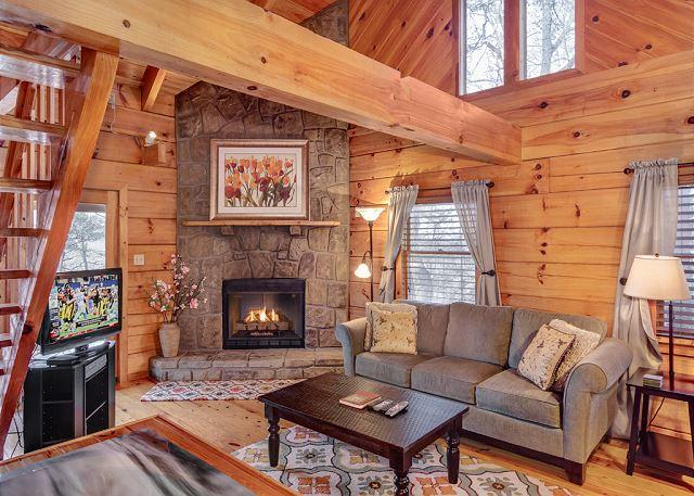 Warm and Inviting - Restin Easy  Pool Table  Jetted Tub  Hot Tub  Pets  WiFi   Free Nights - Gatlinburg - rentals