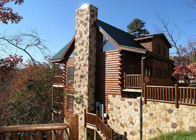 Over the tree tops and far away - Away in the Mountains  Gaming Pool Access 3 Jacuzzis WiFi  Free Nights - Gatlinburg - rentals