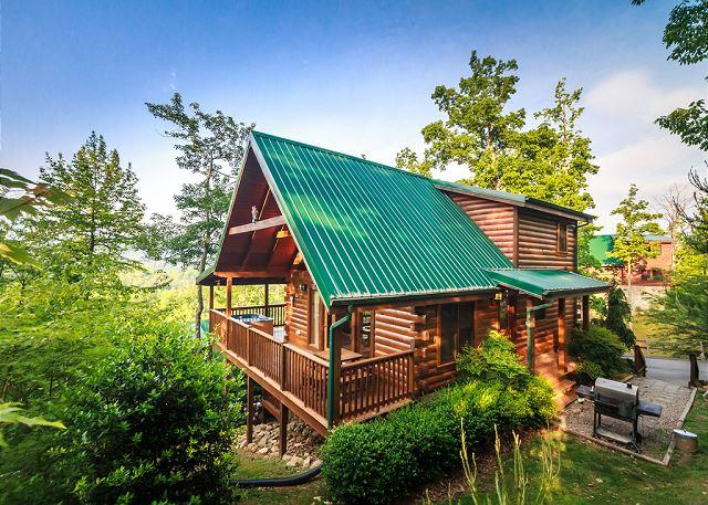 Home Away from Home - Enchanted View Lodge  Great Views Pool Access Hot Tub WiFi Free Nights - Gatlinburg - rentals