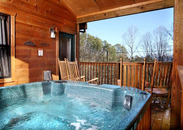 The Outdoor Hot Tub - High Times  Ski Mountain Near Downtown Pool Table Hot Tub  Free Nights - Gatlinburg - rentals