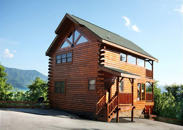Favored by Fortune   Stunning View Gaming Pool Access WiFi Free Nights - Image 1 - Gatlinburg - rentals
