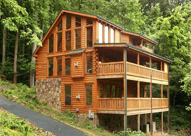 Making a Statement - Lasting Impressions  Near Downtown Gaming Hot Tub Privacy  Free Nights - Gatlinburg - rentals