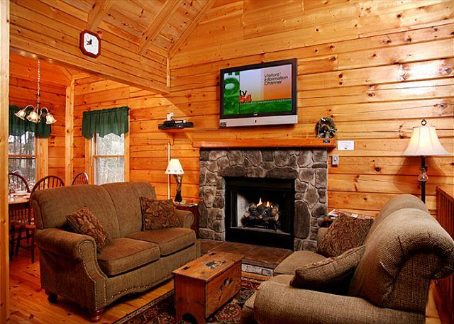 Welcome to your mountain home - Three Bears Cabin   Views Gaming Hot Tub Jetted Tub WiFi   Free Nights - Gatlinburg - rentals