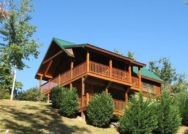 Greetings from the Top - Artistic Mountain  Hot Tub View Clubhouse Jetted Tub Pets  Free Nights - Gatlinburg - rentals