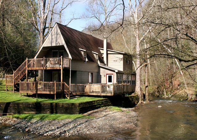 Fish On - Brook Trout Chalet   On The River  Trout Fishing  Hot Tub  Free Nights - Gatlinburg - rentals