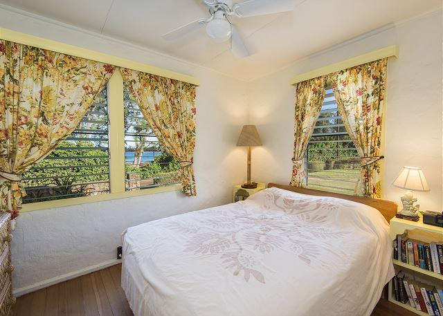 Master Bedroom - Hibiscus Beach Cottage, Sunrise, Moonrise Views, Hear the Surf at Anahola Bay - Anahola - rentals