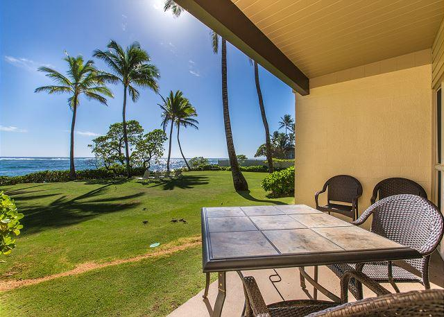 Covered Lanai with Ocean Views - Kapaa Shore Resort #106, Oceanfront, King Bed, Ground Floor, Comp wifi & pkg. - Kapaa - rentals