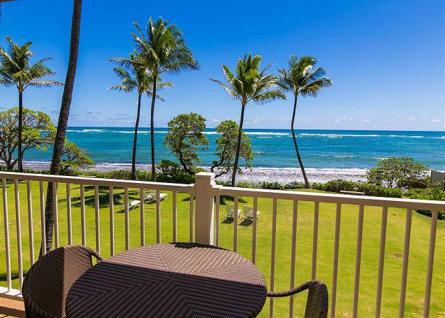 Lanai with Oceanfront View - Kapaa Shore Resort #202, Oceanfront near beaches, shops, restaurants & biking - Kapaa - rentals