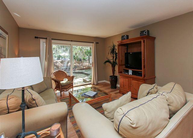 Living Area - 823 Ketch Court - Sea Pines Townhouse in Harbourtown-Quick walk to the Marina - Hilton Head - rentals