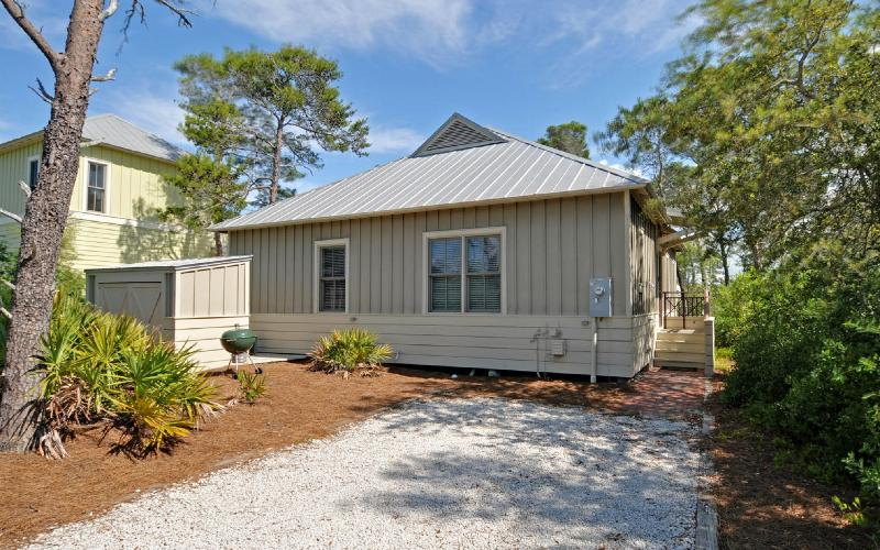 Beautiful Cottage-4 min walk to Beach! From $105pn - Image 1 - Seaside - rentals