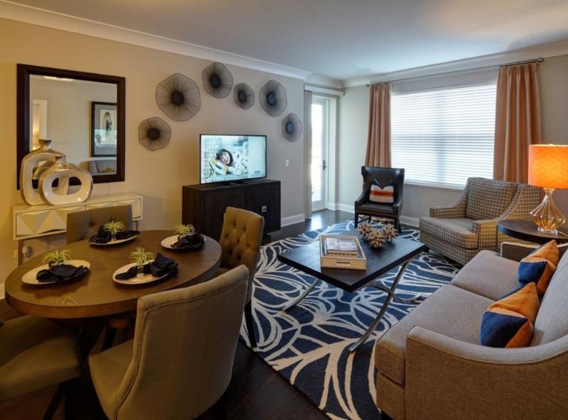 Exceptional 1 Bedroom, 1 Bathroom Apartment in Deerfield - Lovely Modern Unit - Image 1 - Deerfield - rentals