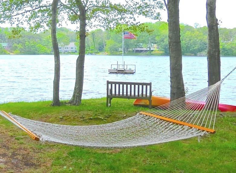 Cape Cod summer living at its best in this lake front vacation home. - Spacious Orleans Home on Crystal Lake: 100-O - Orleans - rentals