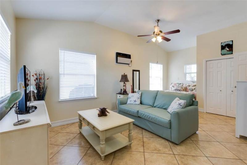 Mangrove Breeze Cottage, 1 Bedroom, Walk to Beach, Pet Friendly, Sleeps 4 - Image 1 - Fort Myers Beach - rentals