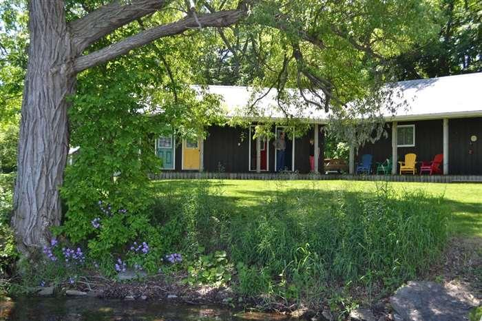 Hampton's Bay Cottage - Image 1 - Prince Edward County - rentals