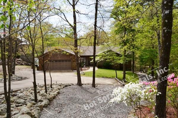 21ToleDr |Lake DeSoto Home | Sleeps 6|WI-FI Access - Image 1 - Hot Springs Village - rentals