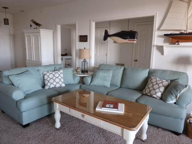 Charming 3BR w/ screened deck - Buccaneer Village #1122 - Image 1 - Manteo - rentals