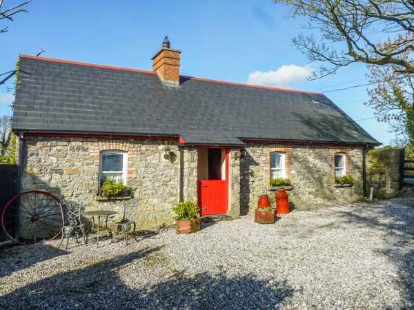 GEOGHEGANS COTTAGE, stone-built, detached, four poster, solid fuel stove, in Clough, Abbeyleix, Ref 929822 - Image 1 - Abbeyleix - rentals