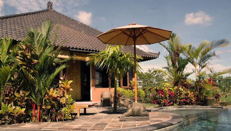 Bamboo Bungalow - peace n quiet with views in Ubud - Image 1 - Ubud - rentals