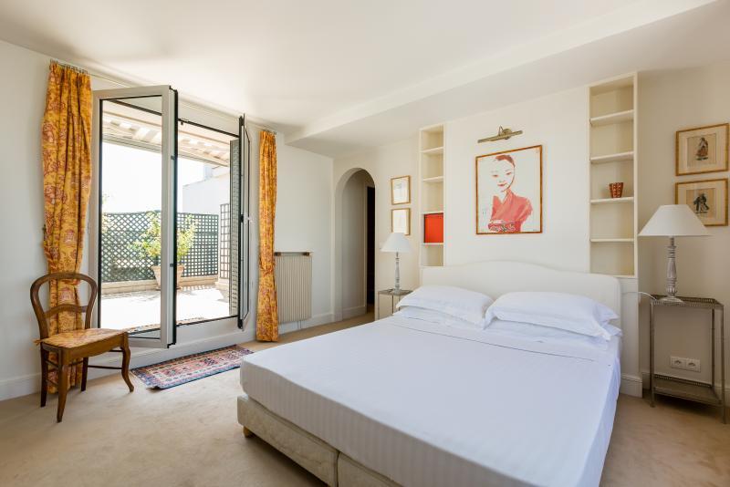 One Fine Stay - Rue Spontini apartment - Image 1 - Paris - rentals