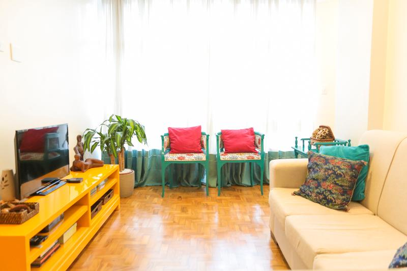 Bright & Cozy 2 Bedroom Apartment in Jardins - Image 1 - Sao Paulo - rentals