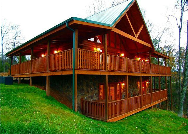 Welcome to Gatlinburg Getaway - Gatlinburg Getaway  Mtn View Pool Access Hot Tub Game Room Free Nights - Gatlinburg - rentals