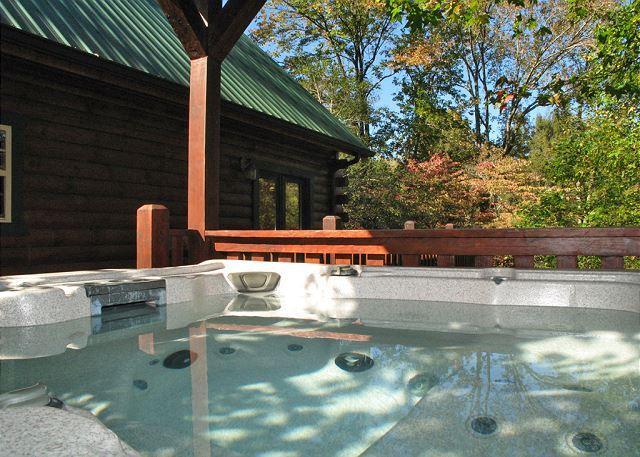 Huge Hot Tub - Laurel Lodge   Hot Tub Theater Game Room Yard WiFi Privacy Free Nights - Gatlinburg - rentals