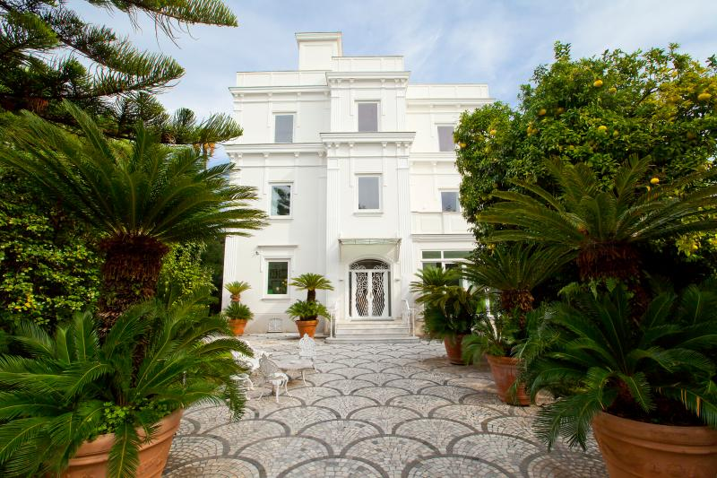 Luxury Villa with pool in Sorrento - Image 1 - Sorrento - rentals