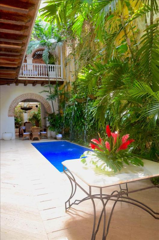 Villa Alexandra - Splendid 5 Bedroom Villa in Cartagena's Historic Old Town; Pool and Rooftop Jacuzz - Image 1 - Cartagena - rentals