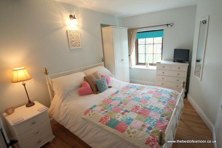 Porlock Hideaway - Cosy apartment in central Porlock - sleeps 2 - Image 1 - Porlock - rentals