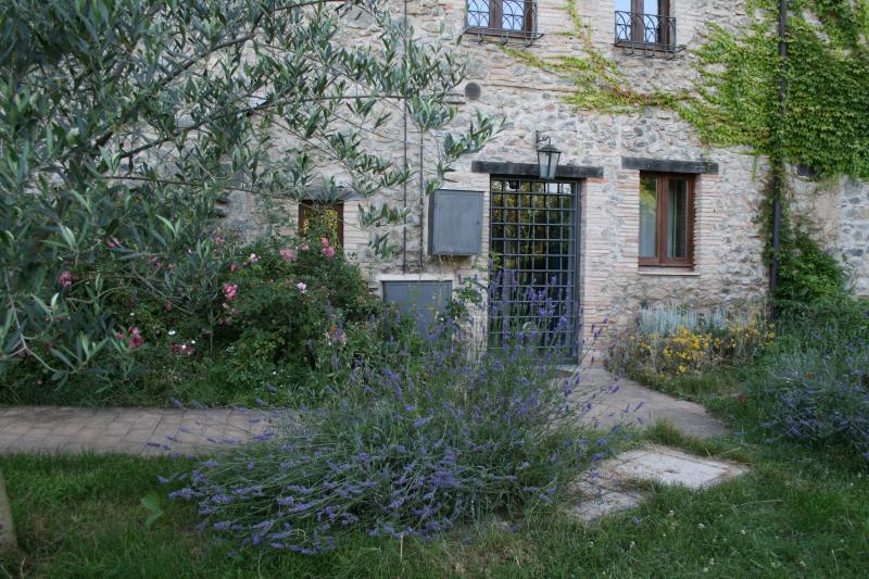 La Torre tra i fiori - CASALE VIGNOLO, La Torre - Orvieto - rentals