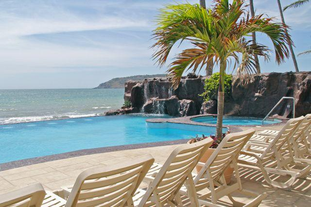 Heated Infinity pool at Ocean Palms. - Ocean Palms Getaway - Mazatlan - rentals