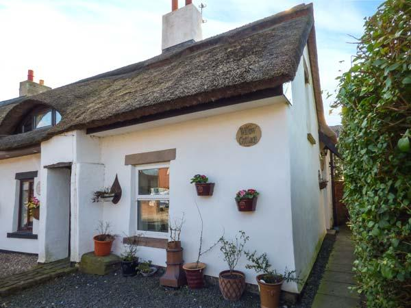 WILLOW COTTAGE thatched semi-detached cottage, character features, village location, WiFi in Pilling Ref 934004 - Image 1 - Pilling - rentals