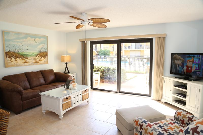Renovated ---Ground Floor Unit    Large Heated Pool - Image 1 - Cocoa Beach - rentals