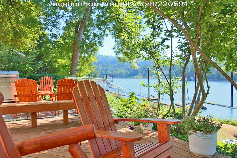 Chateau Riverfront Decks and Patio - Portland Riverfront Chateau - Penthouse Suite - Portland - rentals