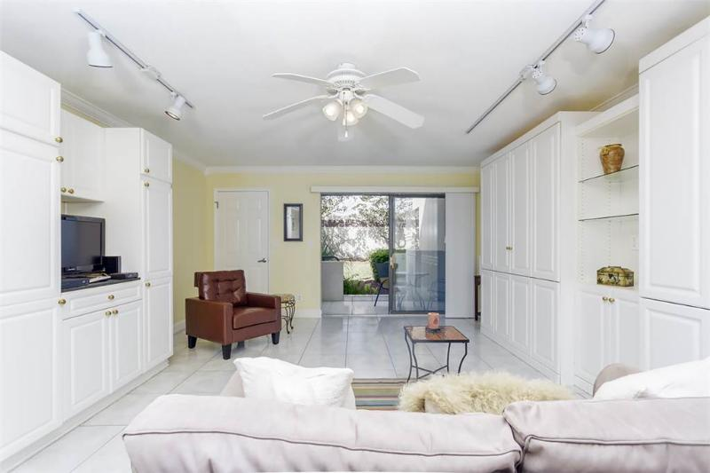 Summer Place 652, Ground Floor Studio, Steps to Beach, Pool, Sleeps 4 - Image 1 - Ponte Vedra Beach - rentals